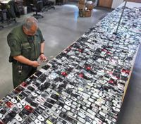 Judges order carriers to 'brick' inmate cellphones