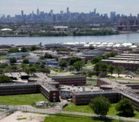 Rikers Island CObeatenby two inmates