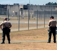 Deal would give Calif. correctional officers big pay raise