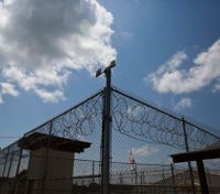 4 COs injured, Minn. prison locked down after inmate attack