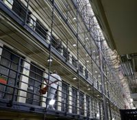 San Quentin protesters, inmates call for prison reform