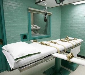 In this May 27, 2008 file photo, the gurney in Huntsville, Texas, where Texas' condemned are strapped down to receive a lethal dose of drugs. (AP Photo/Pat Sullivan, File)
