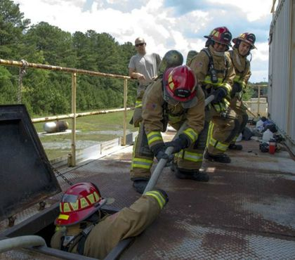 Firefighter in distress: Cuing the rapid intervention team