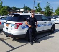 Officer buys food for hungry kids after mother's medical emergency