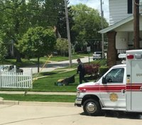 Ohio FF/paramedic finishes mowing lawn for injured man