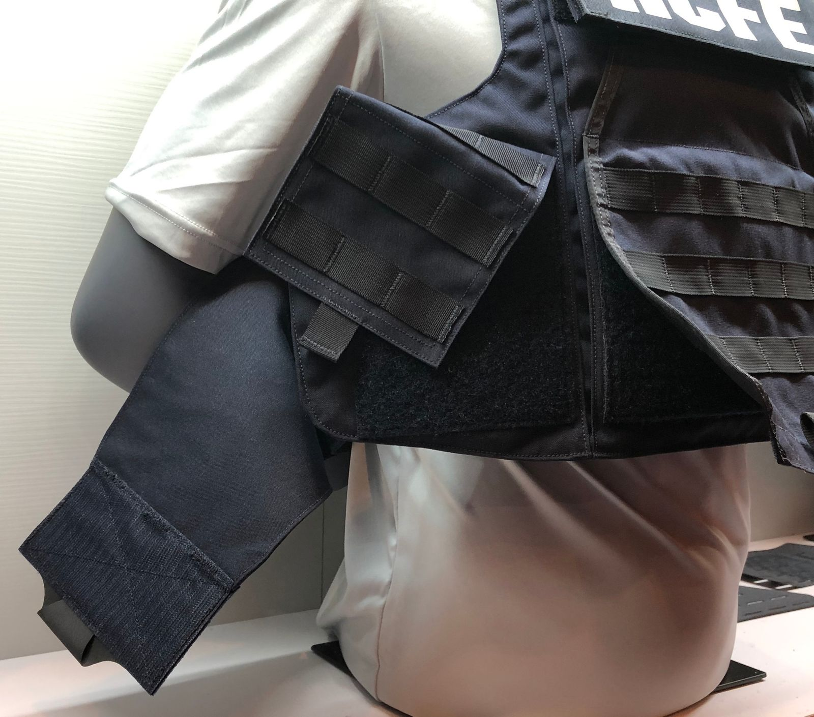 ac175be1958 Advances in police body armor technology at SHOT Show