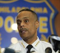 Philly's top cop apologizes to men in Starbucks arrest