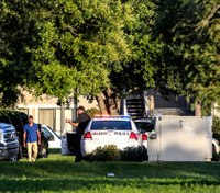 Police: Suspect who shot cop in standoff kills self, 4 child hostages