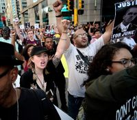 Demonstrators block trains during protest of fatal Minneapolis OIS