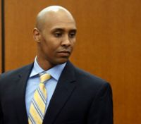 Ex- Minn. officer's lawyers want charges dismissed in fatal OIS