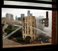 Fire destroys historic Dallas hotel