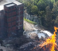 Ky. Jim Beam warehouse filled with bourbon barrels destroyed by fire
