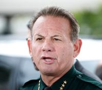 Broward County sheriff to face no-confidence vote