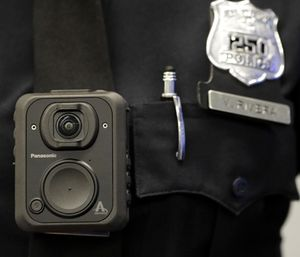 Lab @ DC Director David Yokum's group randomly selected officers to wear body cams for the study. (Photo/AP)