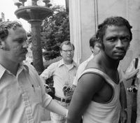 Ex-radical convicted in 1971 police killings gets parole