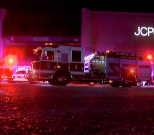 Authorities respond after reports of shots fired at the Riverchase Galleria in Hoover on Thursday, Nov. 22, 2018. A man was shot and killed by police after a fight at the mall ahead of Black Friday shopping resulted in gunfire that injured several. (Photo/ABC 33/40 via AP)