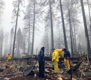 Experts said flaws in the current system included the need for more help to warn and evacuate people who are elderly, disabled, do not speak English or who have pets they want to take with them. (Photo/AP)