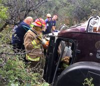 Paramedics, firefighters rescue Arizona man trapped in car for 3 days