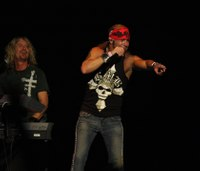 Bret Michaels offers free concert tickets to Las Vegas responders