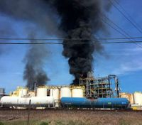 2nd Texas chemical fire in 2 weeks kills worker