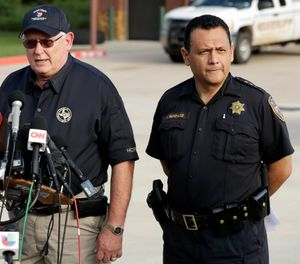 Harris County Sheriff Ed Gonzalez, right, during a news conference in 2017. Harris County Sheriff Ed Gonzalez announced Sunday that prosecutors had arrested and charged 20-year-old Eric Black Jr. with capital murder in the death of 7-year-old Jazmine Barnes on Dec. 30 (AP Photo/ Gergory Bull)