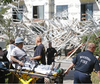 Houston firefighters rescue 6 from scaffolding collapse