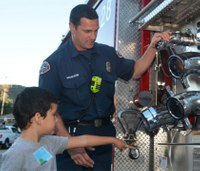 5 ways fire departments can partner with the community
