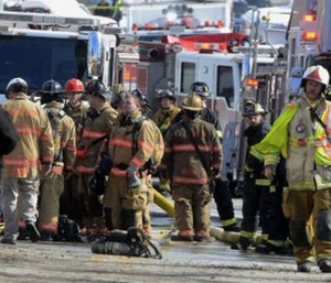 2 Pa  firefighters dead, 2 injured in building collapse