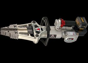 The battery automatically changes voltages when you change tools. (Photo/AMKUS Rescue Systems)