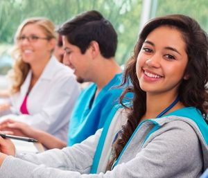 Training programs longer than one hour long should engage students with different types of content delivery and activities. (Photo/cl.usembassy.gov)