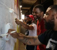 Philadelphia inmate is winning over the art world