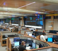 Wash. city relies on new regional center after dispatchers are laid off, quit