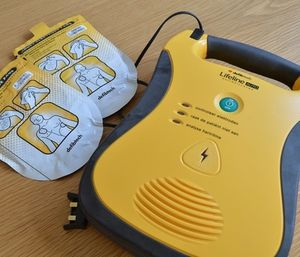 Platte County voted to purchase seven automated defibrillators that can save lives of members of the public and employees who suddenly suffer cardiac arrest. (Photo/Pixabay)