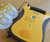 Study: Cardiac arrest survival doubles when bystanders use AEDs