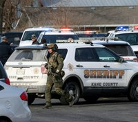 Gunman kills 5 people, wounds 5 LEOs at Ill. business