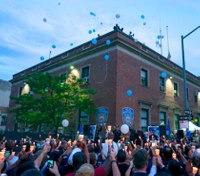 Hundreds pay tribute to slain NYPD officer