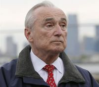 Bratton says he won't remain NYPD commissioner past 2017