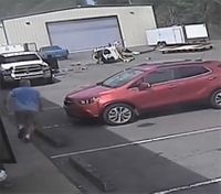 Video shows crash of police helicopter in Ark.
