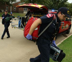 Lt. Wilson Spain and firefighter Brooks Nevil of the Plano Fire Community Paramedicine Program in action. (Photo/City of Plano)