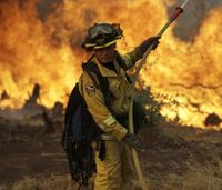 Calif. wildfire rages on into its 4th day