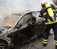 Protestors set fire to cars at G-20 summit in Germany