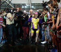 Former French firefighter, 105, sets cycling record