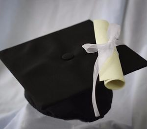 A certificate program can provide a stepping stone to a master's degree – or a promotion. Consider both cost and your career goals when choosing between an online graduate degree program or a certificate. (image/Pixabay)