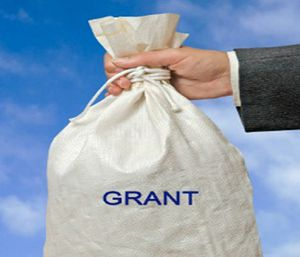 Learn how to win a grant with these four tips.