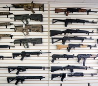 Wash. bans anyone under 21 from buying rifles
