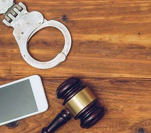 WarrantNow, a secure online service, enables officers and judges to produce and sign warrants anytime, anywhere. (image/iStock)