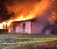 Texas paramedic loses home, 6 dogs in fire
