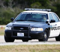 Houston man shoots at first responders trying to help him