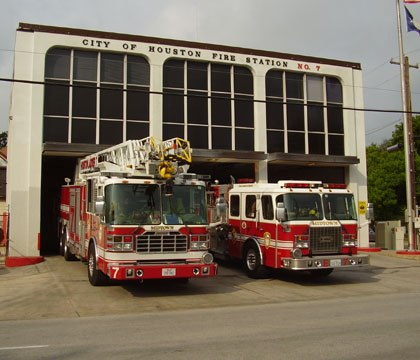 Houston official proposes garbage fee to finance firefighter pay raise