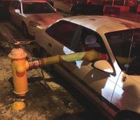 Neb. firefighters break car's windows to use hydrant